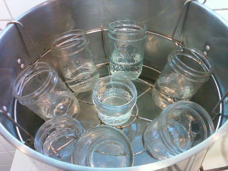 Canning jars jam 08-27