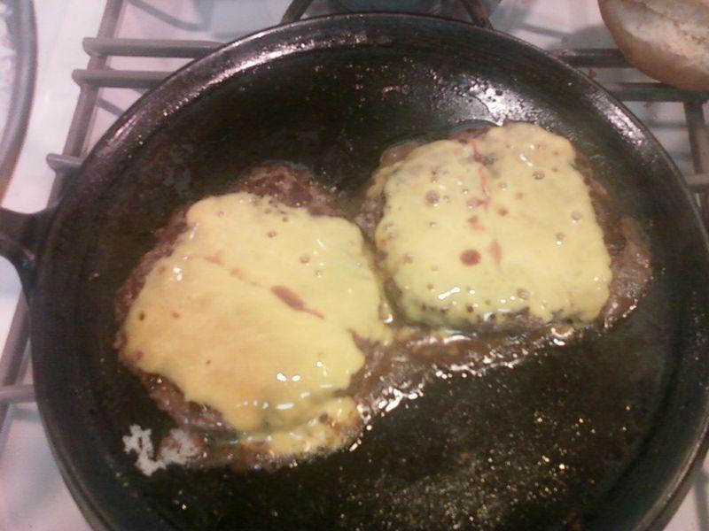 Buffalo burgers fry pan