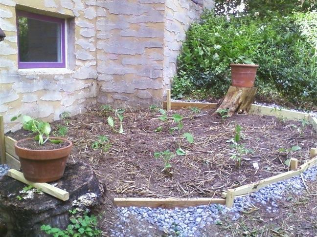 Roberts garden east planted