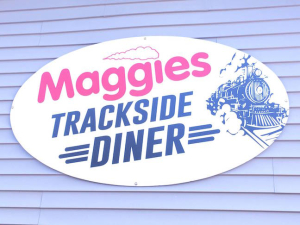 Maggies trackside diner sign H