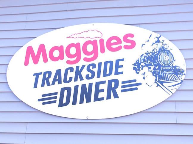 Maggies trackside diner sign H